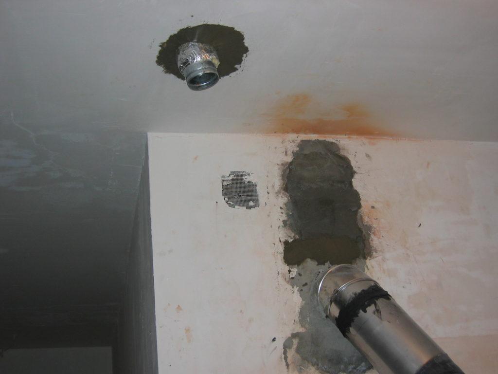 ogrzewanie kominkowe przelot przez strop