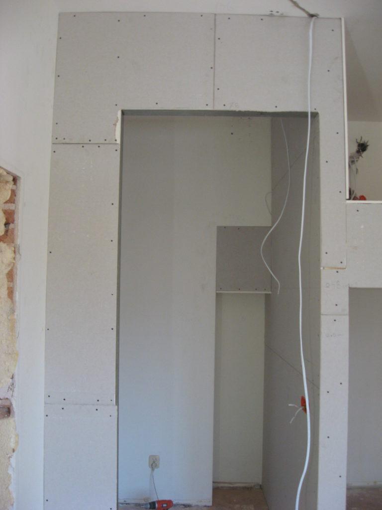 zabudowa antresoli ścianka do garderoby
