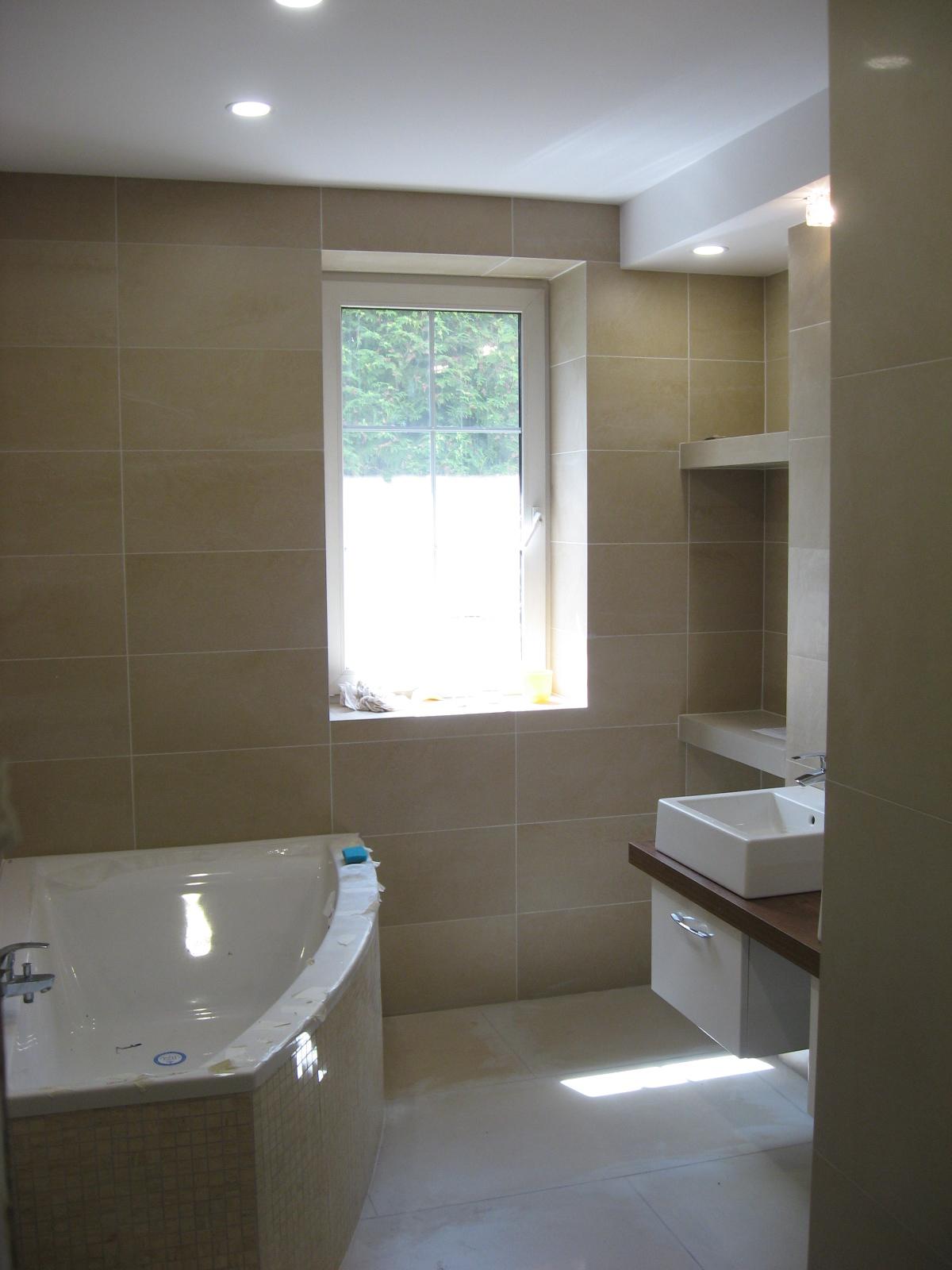 Łazienka gres wielkoformatowy oraz WC  z gresu