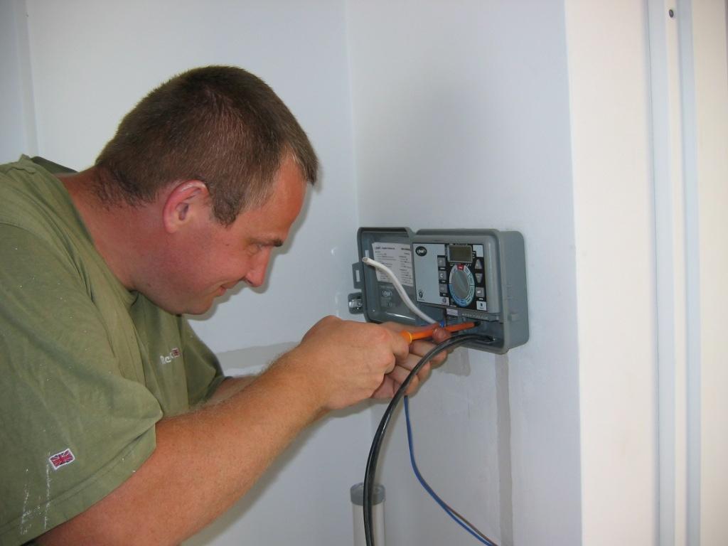 Różne instalacje elektryka hydraulika