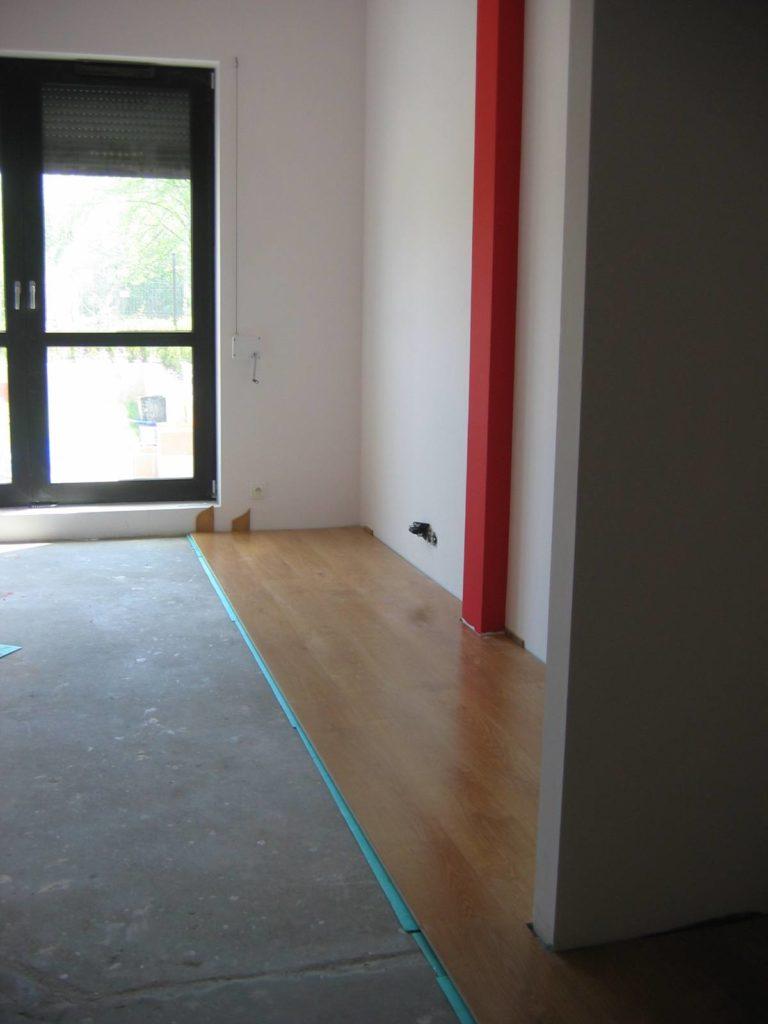 układanie paneli w mieszkaniu