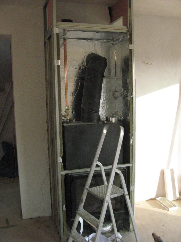 zabudowa kominka z płaszczem wodnym izolacja termiczna